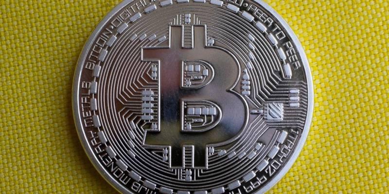 Confidencial: Bitcoin y Oro para posicionarse en una encuesta de inversión a largo plazo de $ 10K